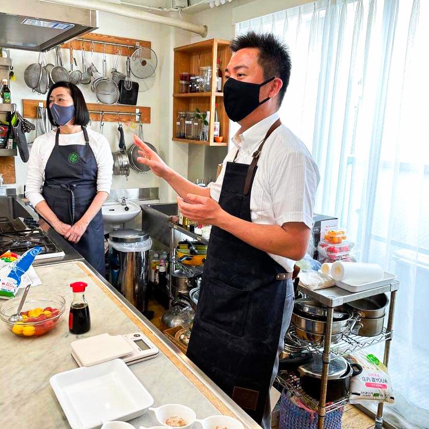 20210422タカコナカムラ先生鹿児島黒酢講習にて、鹿児島黒酢、その他の黒酢の違い、簡単レシピ、黒酢の活用法など