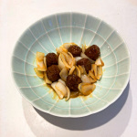 石井食品黒酢の肉団子レシピ『黒酢肉団子と玉ねぎの炒め物』150黒酢の肉団子(ミートボール)をためねぎと一緒に痛めた簡単レシピ