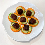 無添加調理石井食品黒酢の肉団子レシピ『黒酢の肉団子のカナッペ』
